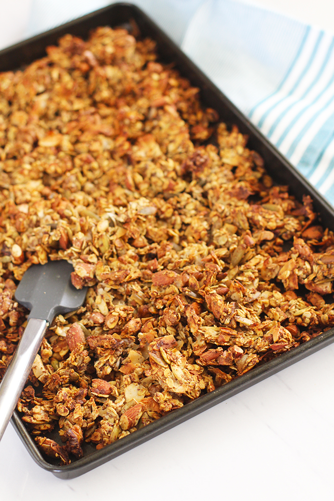 No-Sugar Added Granola Clusters flavored with vanilla and cinnamon! | fitlivingeats.com