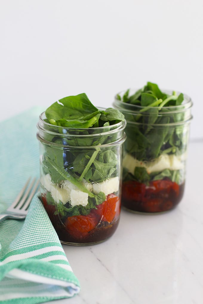 roasted tomato caprese mason jar salad 2