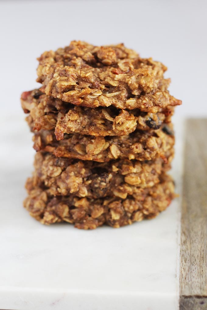 Eat a nutritious breakfast on-the-go by making these Vegan Gluten Free Oatmeal Breakfast Cookies ahead of time! Click through for the recipe.
