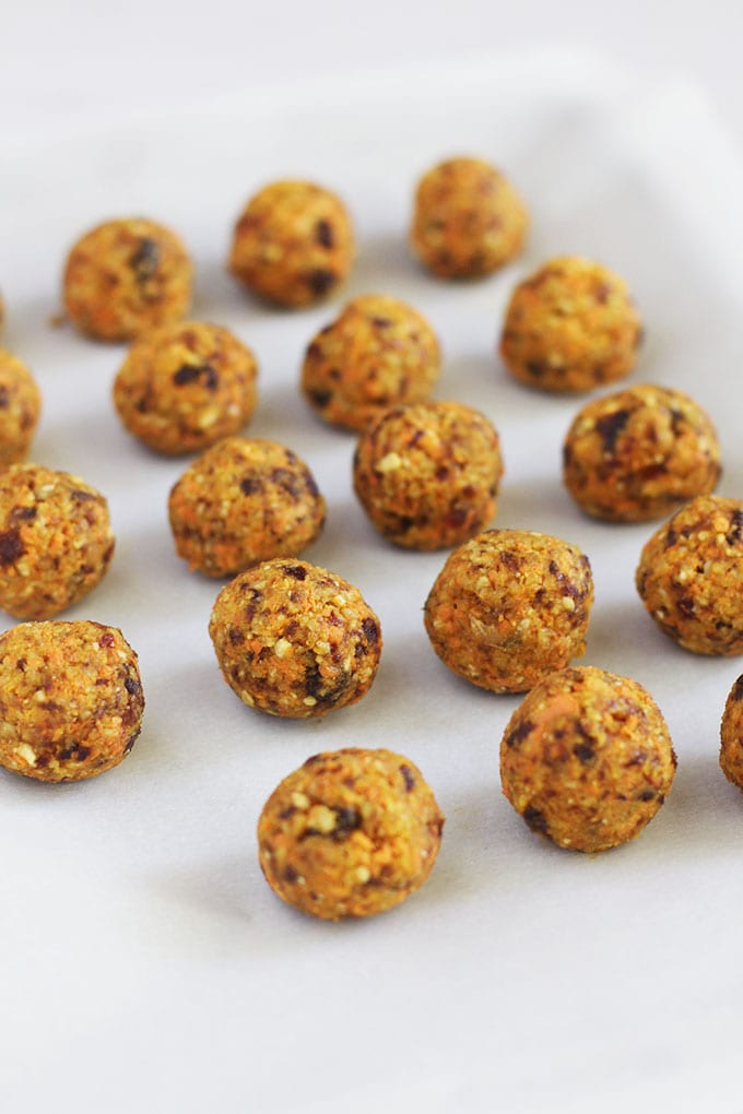 Carrot Cake Energy Bites... satisfy your sweet tooth and have a healthy snack on hand by making these vegan, gluten free energy bites for the week!