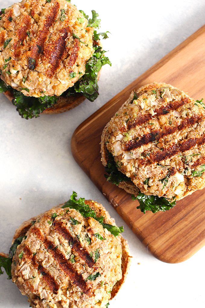 Veggie Moroccan-Spiced Cauliflower Quinoa Burgers for Meatless Monday (vegan + gluten-free) | FitLiving Eats by Carly Paige