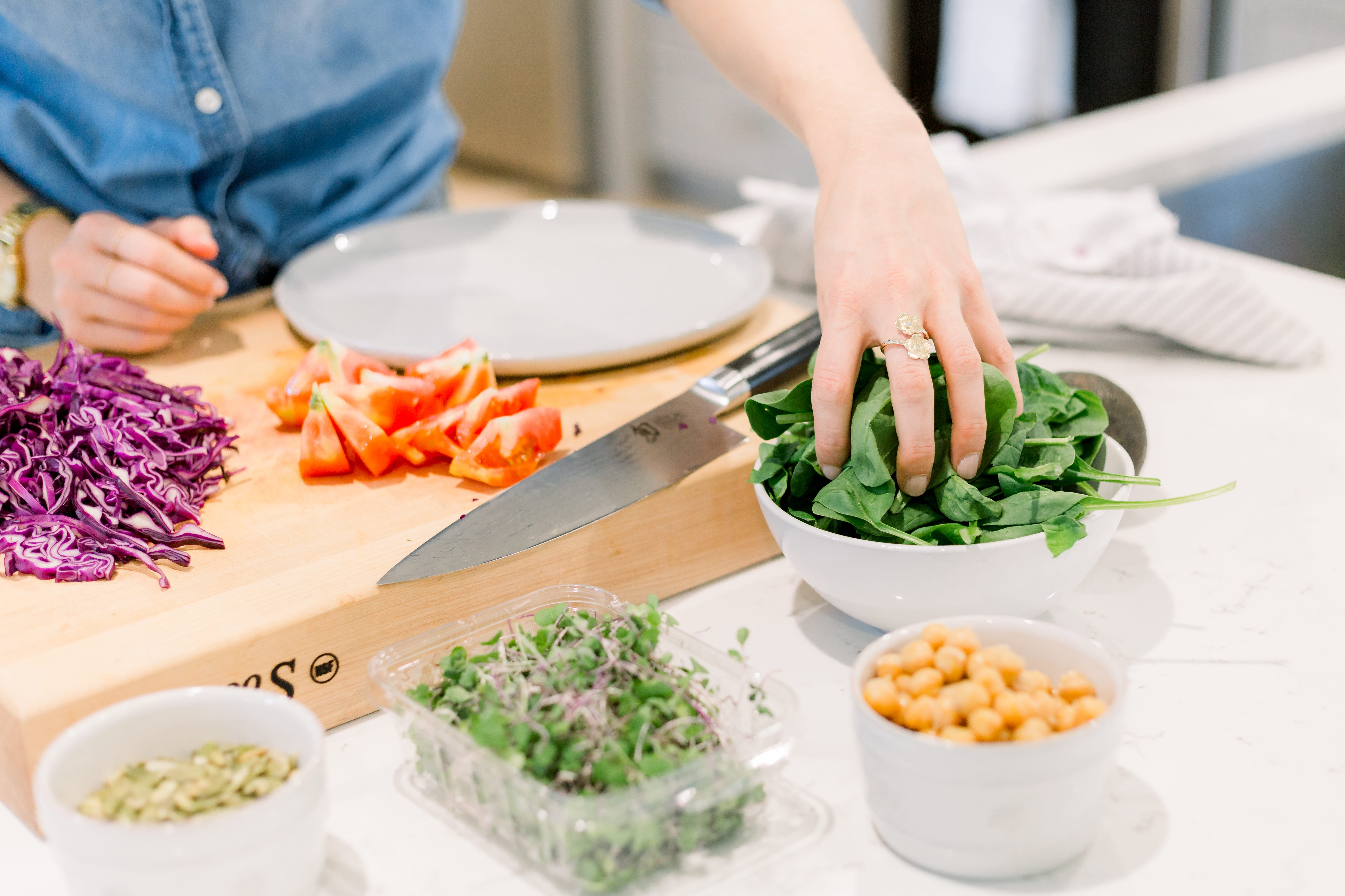 FitLiving Eats by Carly Paige - 5 Ways to Practice Mindful Eating -3