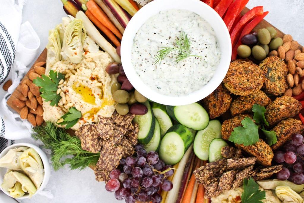 How to Build a Healthy Mediterranean Mezze Platter