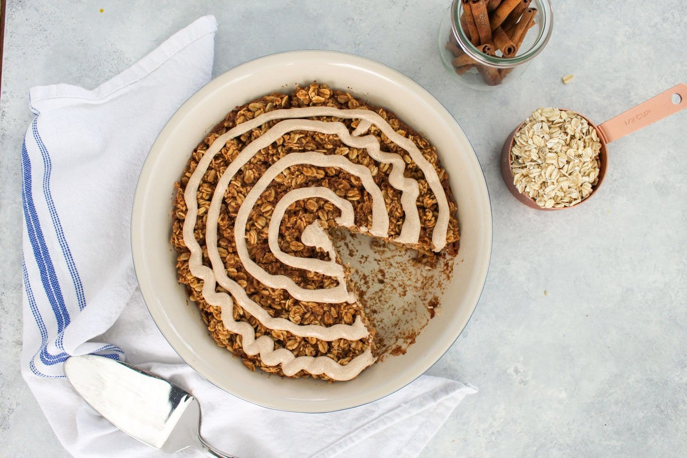 Baked-Cinnamon-Roll-Oatmeal-Recipe---3